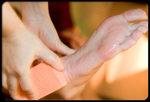 Фото сглаживание натоптышей и мозолей на ногах